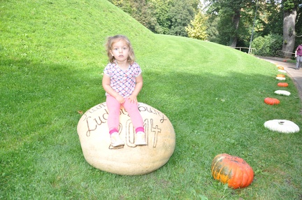 Greta at the Ludwigsburg Pumpkinfest2