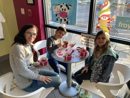 FroYo at Menchies
